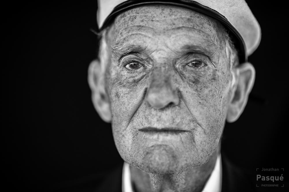 Victor Walker 88 ans